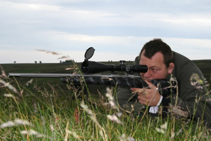 Steve Thompson shooting his UK Gunworks Sako 75 .243 Ack Imp.